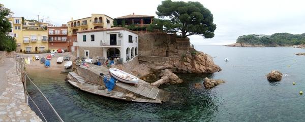 Cala Ses Orats, en Begur, es una calita pequeña y bastante recogida, entre el Puerto de Fornells y la bahía de Aiguab