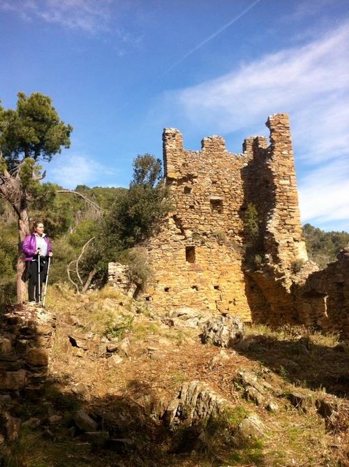 Llegamos a pie al Castillo de Vila·romà desde el centro de Palamós