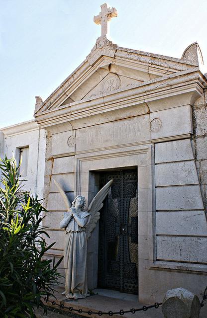 Uno de los panteones del Cementerio de Cadaqués, Costa Brava