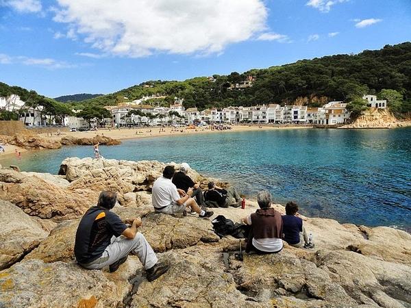 Para llegar a Cala Gamarús partimos del camino de ronda que comienza en la Playa de Tamariu, en Calella de Palafrugell, Girona, Costa Brava