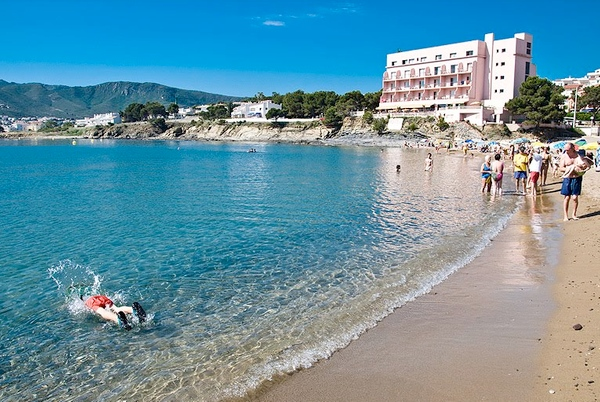 Playa Grifeu, en Llançà, Girona, Costa Brava