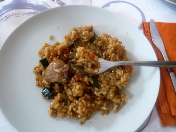 """La cocina de Pals tiene desde antaño diversas recetas con las que preparar el arroz autóctono. La más conocida es """"l'arròs a la cassola""""."""
