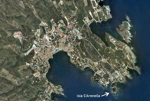 Visión satélite de la isla de s'Arenella, en Cadaqués