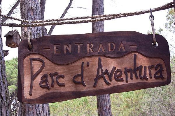La entrada al Parque de los Imposibles, en Masos de Pals, es de hecho gratuita, y sólo hemos de abonar para recorrer los diferentes circuitos.