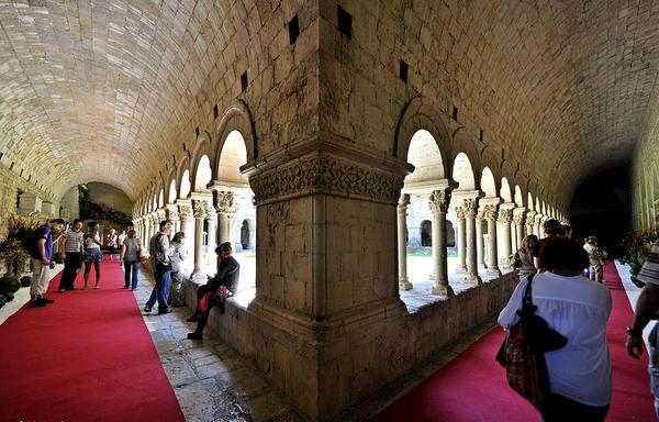 El Museo Tesoro de la Catedral de Girona también incluye la visita al claustro románico de la iglesia