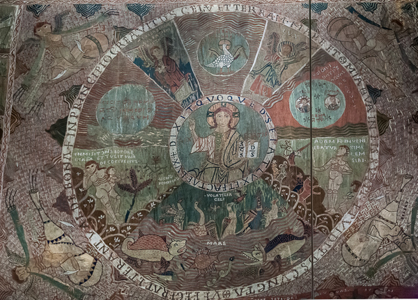 Hay un acuerdo unánime entre los expertos al considerar el Tapiz de la Creación, del siglo XI, como la obra más importante que alberga el Museo Capitular de la Catedral de Girona