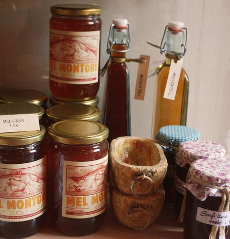 En el interior del museo encontramos una pequeña tienda con productos típicos naturales y ecológicos del Ampurdán
