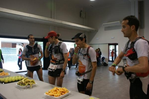 La organización de la Oxfam Trailwalker Girona es muy completa para esta carrera con un recorrido especial tan largo: tanto los puntos de avituallamiento como los sanitarios están incluidos