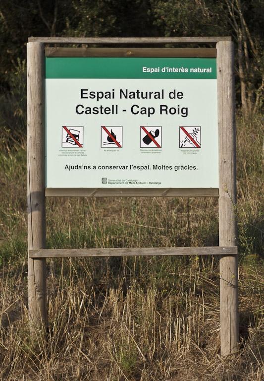 El Espacio Natural Castell-Cap Roig, entre Palamós, Mont-ràs y Calella de Palafrugell se encuentra bien delimitado y protegido por su alto valor paisagístico y ecológico