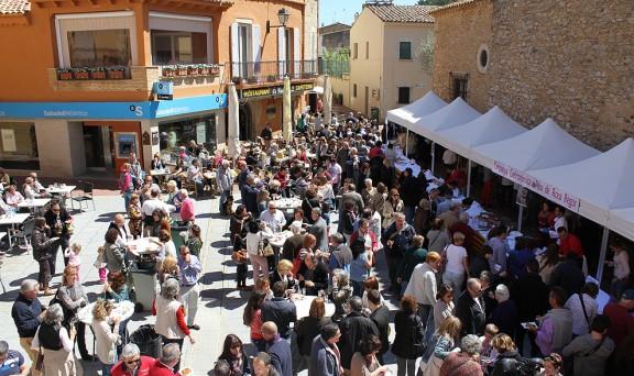 Durante los días en que tiene lugar la Campaña Gastronómica del Peix de Roca, organizadas en Begur, el centro del pueblo organiza actos y ferias en las que poder degustar sus diferentes variedades culinarias en forma de tapas