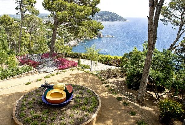 El Jardín Botánico Cap Roig, en Calella de Palafrugell, forma parte del Espacio Natural Castell-Cap Roig, y está situado en su parte norte