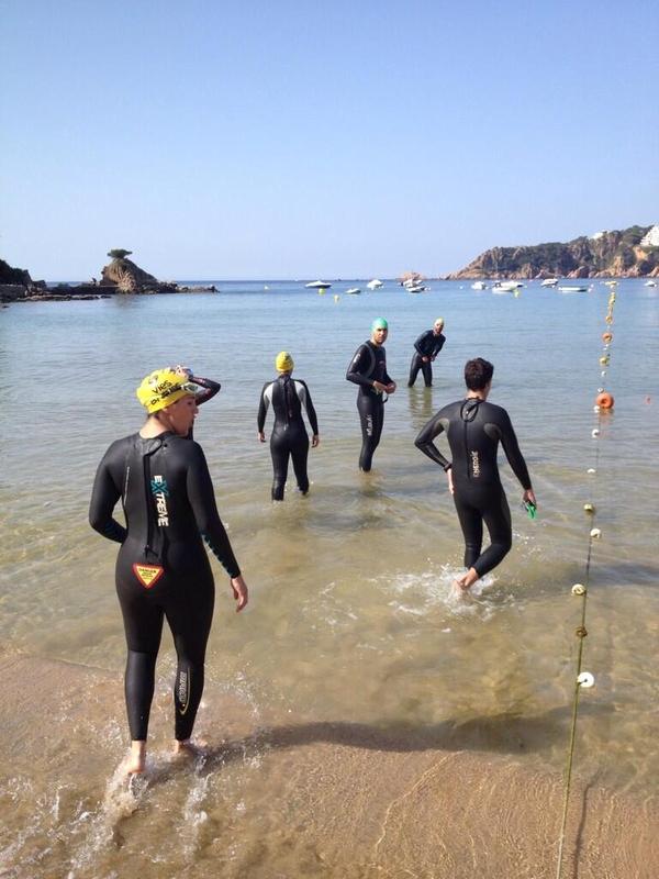 Las Vías Bravas se encuentran delimitadas por boyas para evitar que las embarcaciones puedan ocupar este carril para nadadores de la Costa Brava