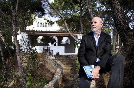Esta es la casa frente a la Cala Sanià donde Truman Capote pasó un verano y donde acabó de escribir 'A sangre fría'. Años después un autor catalán escribió un libro recreando aquellos días.