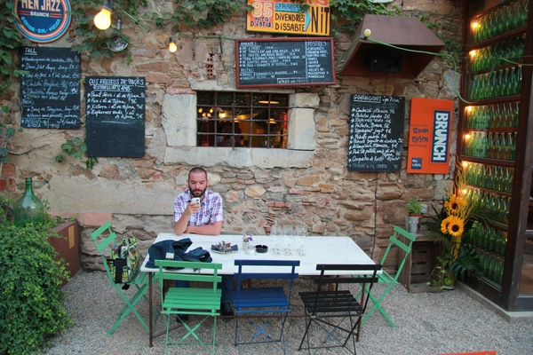Mas Sorrer, en Gualta, permite también tomarse un brunch o un almuerzo durante el día.