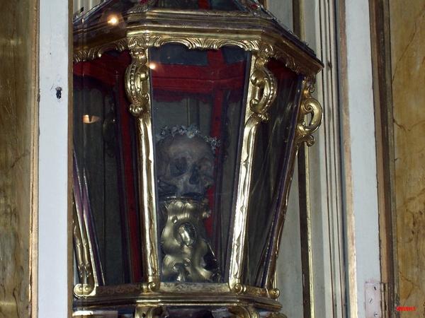 El Santuario de Santa Cristina, en Lloret de Mar, conserva desde hace siglos las reliquias de la patrona martir