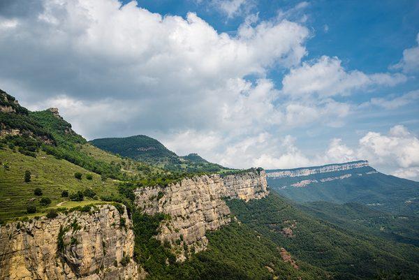 Las montañas del Far y Tavertet son extraordinarios miradores sobre una parte de la Costa Brava y la Catalunya central