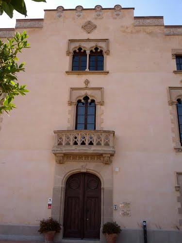 A finales del siglo XIX, el nuevo propietario, el Sr. Saragossa, emprendió una reforma de la masía que le ha llevado a su aspecto actual, de estilo claramente neoclásico tal y como se puede ver por los detalles de la fachada.
