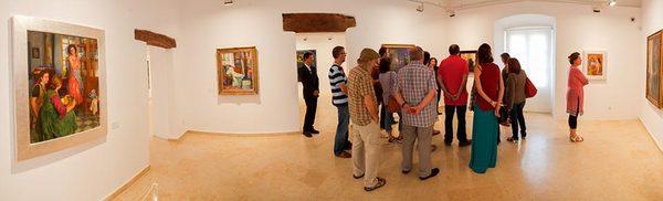 El Espacio Carmen Thyssen organiza visitas guiadas abiertas a todos los visitantes del museo. Sus obras provienen en buena medida del Museo Thyssen-Bornemisza de Madrid.